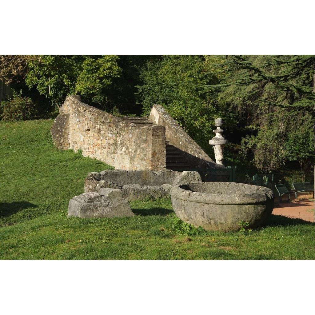 Jardin romain les rues de lyon for Jardin romain