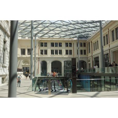Cour du Midi