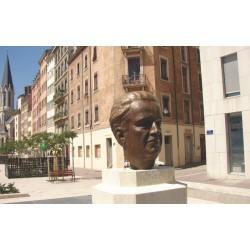 Rue Monseigneur Lavarenne