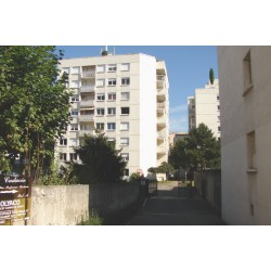 Rue Carron