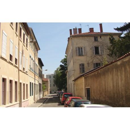 Rue du Manteau Jaune