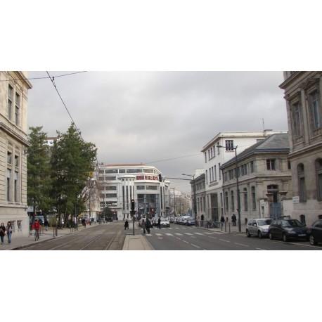 La place Depéret n'est plus signalée, c'était un élargissement de la rue de l'Université.