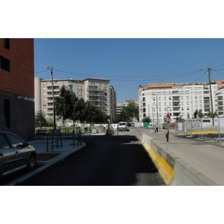 Le prolongement de la rue le long du parc de la Buire