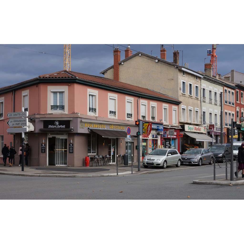 Place des maisons neuves les rues de lyon for Maisons neuves
